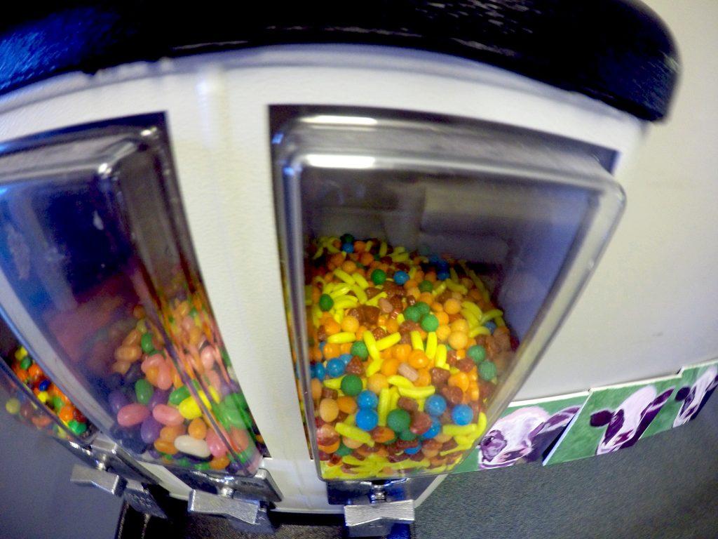 Stratlab Candy machine